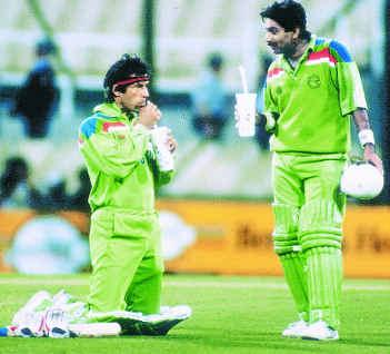 Imran Khan & Javed Miandad During World Cup 1992