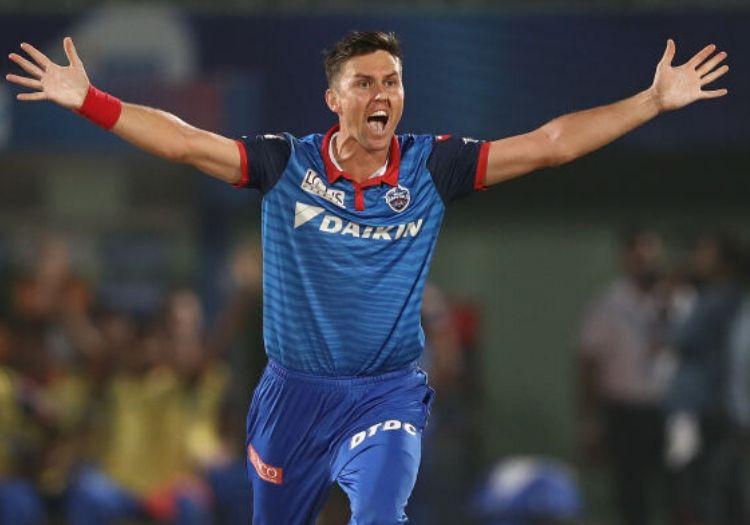 Mumbai Indians retain Trent Boult